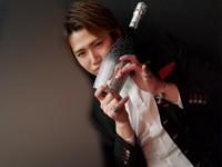 記念日に相応しいボトルラッシュ!Club GLOW 三浦 優士 バースデーイベント!